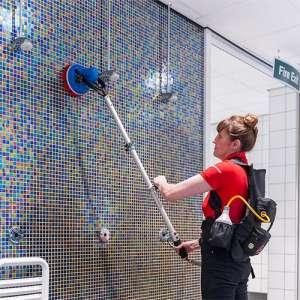 monobrosse portative motorscubber innovation ergonomie nettoyage piscine