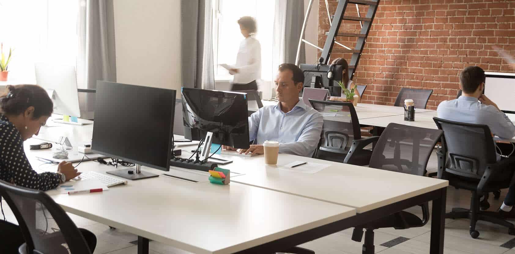 bureaux-ordinateur-salaries