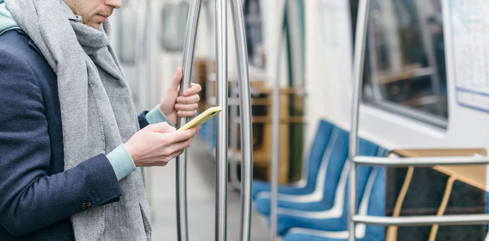 homme-metro-nettoyage